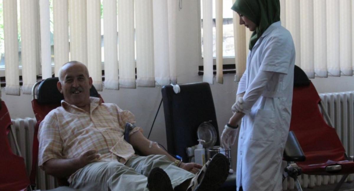 """Uspješno održana akcija dobrovoljnog darivanja krvi u svečanom salonu """"Svetozar Vujović"""""""