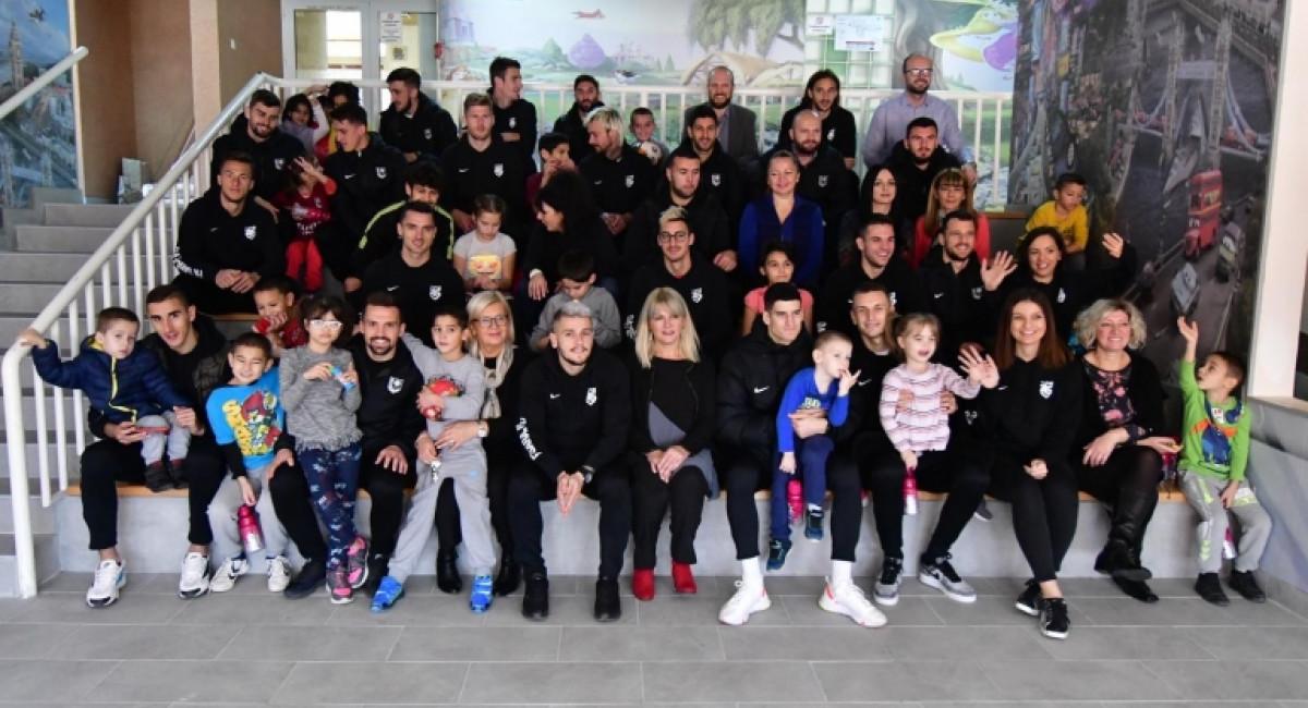 FK Sarajevo u posjeti Domu za djecu bez roditeljskog staranja na Bjelavama