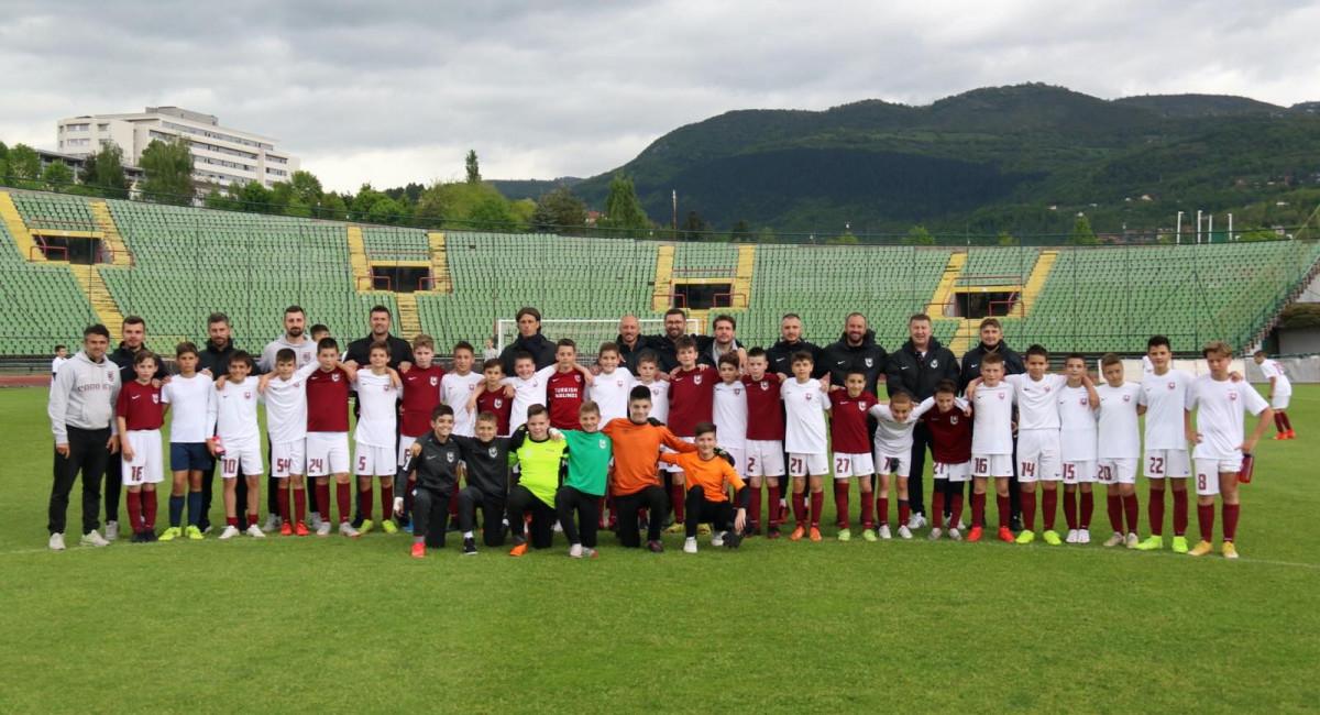 Na stadionu Asim Ferhatović Hase odigrane prijateljske utakmice između selekcija Akademije i Škole fudbala